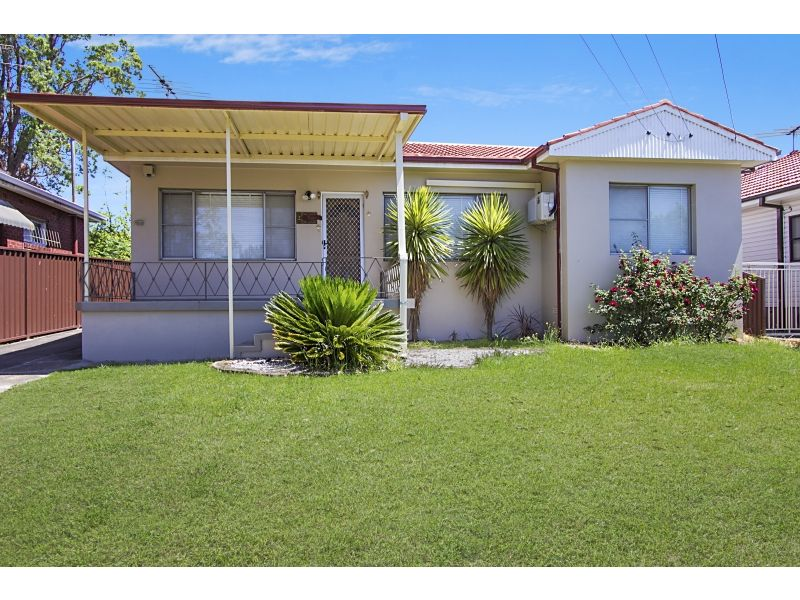 12 Andrew Place, Girraween NSW 2145.